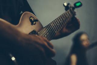 Macam – macam Cara Menyetem Gitar dengan Mudah