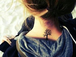 Tatuajes de mujeres, tatuajes de cuello