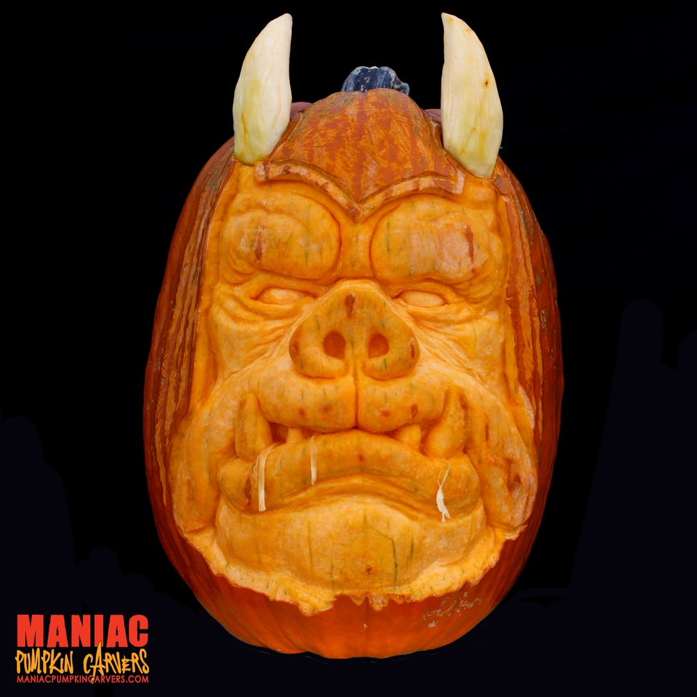 06-Gamorrean-Guard-Star-Wars-Maniac-Pumpkin-Carvers-Introduce-Halloween-www-designstack-co