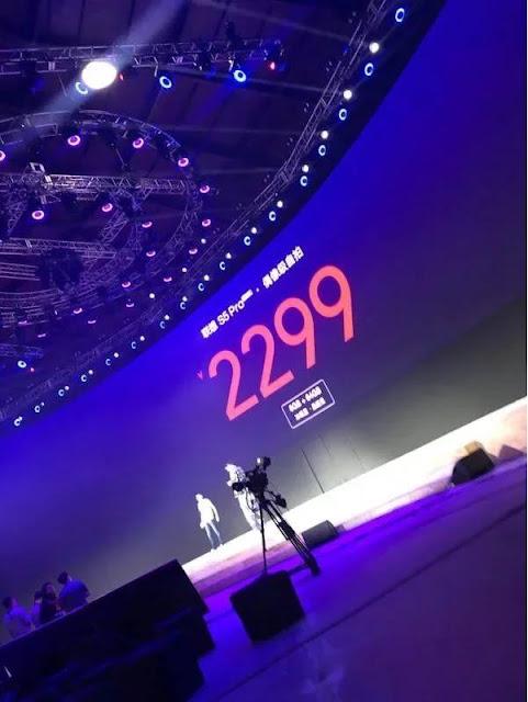 Giá bán của Lenovo S5 Pro phiên bản RAM 6 GB + 64 GB