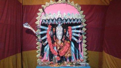 চাঁচল-সিহিপুর-মুক্তকেশরী-এবং-ধন্বেশ্বরী-কালী-পূজা