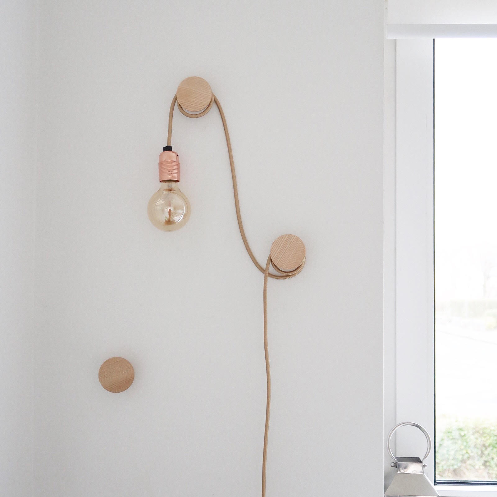 Light Feature Hanging Bulb on Wall Hooks