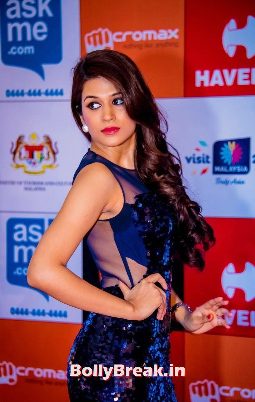 , Shraddha Das in Blue Dress at SIIMA Awards 2014 - Hot HD Images