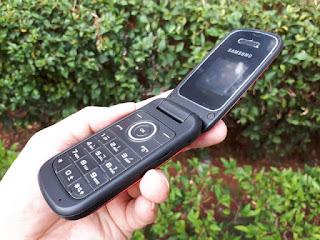 Samsung Coconut GT-E1190 Flip Seken Mulus Normal