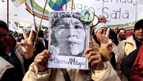 Argentinos instalan campamento en rechazo a la incomunicación de Milagro Sala