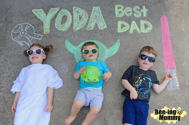 chalk art, chalk art picture, chalk art sayings, chalk art gift, chalk art kids, chalk art picture kids, Father's Day gift, Mother's Day gift, gift idea, gift for dad, gift for mom, chalk pictures, awesome chalk picture, chalk sayings, funny chalk pictures, unique gift, unique chalk art, awesome chalk art, awesome gift for dad, free gift, free Father's Day gift, Free Mother's Day gift, Yoda best, Yoda best dad, Star Wars, Disney chalk art, Star Was chalk art, character chalk art