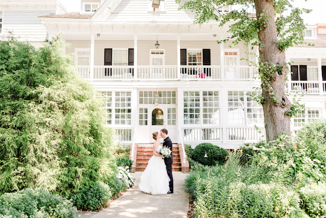 Summer Formal Wedding at the Historic Kent Manor Inn on Kent Island photographed by Maryland Wedding Photographer Heather Ryan Photography