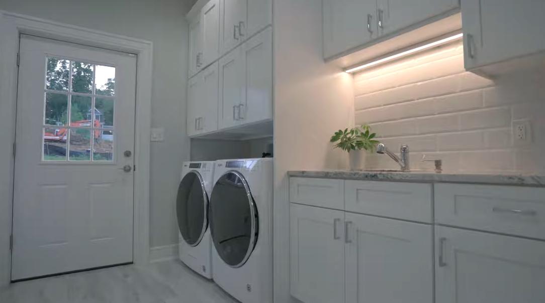 41 Interior Design Photos vs. 6 Minor Ct, Denville, NJ Luxury Home Tour