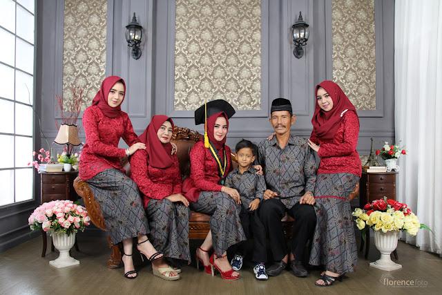 Foto Keluarga Wisuda UIN Suska Riau 2018