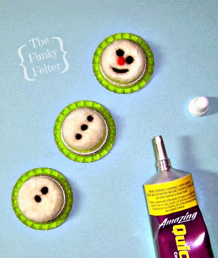 beginner needle felting craft tutorial for a snowman card by the funky felter