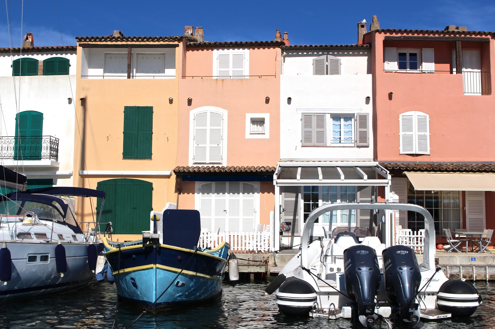 Port Grimaud boats and fisherman style houses