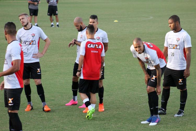 Com novidades na escalação, Vitória está definido para enfrentar o Grêmio pela 15ª rodada do Brasileirão 1