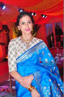 Actress Model Shilpa Reddy Exclusive Stills in Blue Saree at Vijay Karan Aashna Wedding  0040.JPG