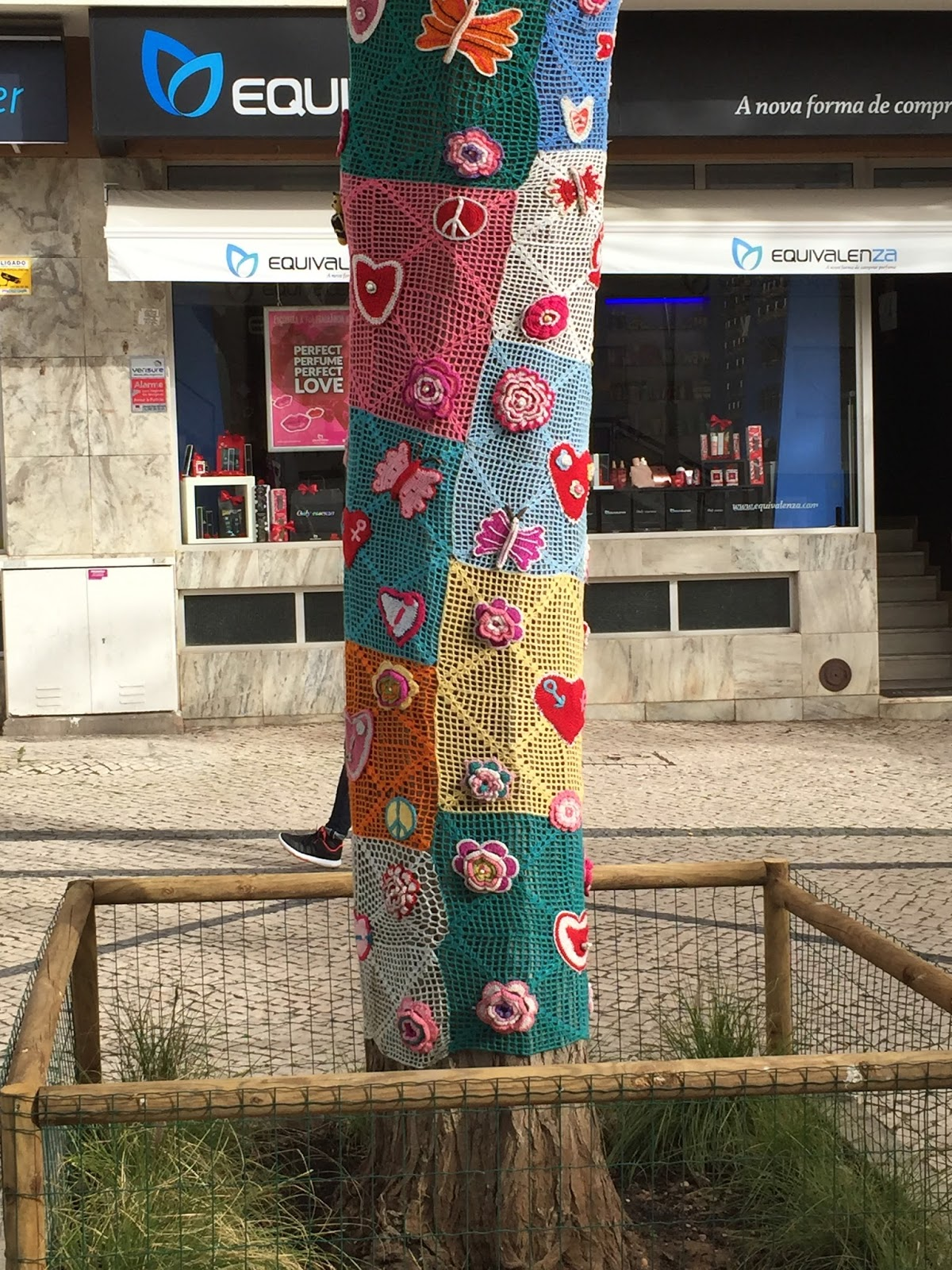 Lost in the past: Guerilla Knitting in The Algarve #WordlessWednesday