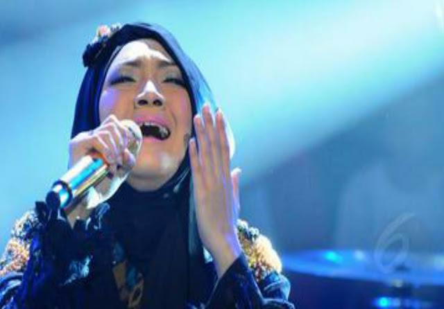 Kabar Mengejutkan Datang dari Penyanyi Religi Sulis