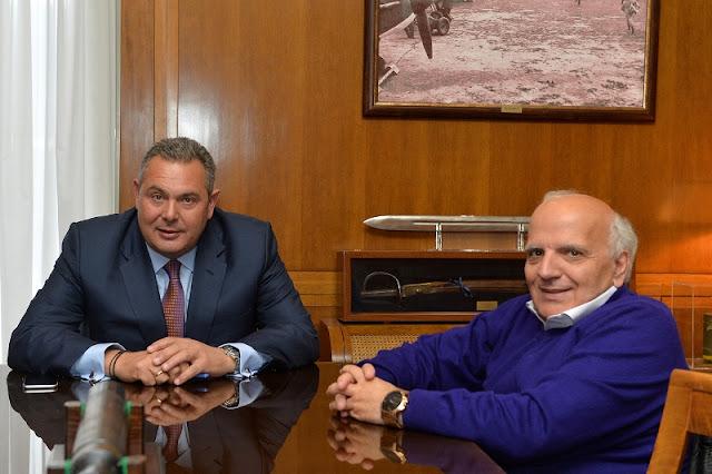 Συνάντηση Καμμένου με τον Πρόεδρο της Ελληνικής Παραολυμπιακής Επιτροπής Γιώργο Φουντουλάκη