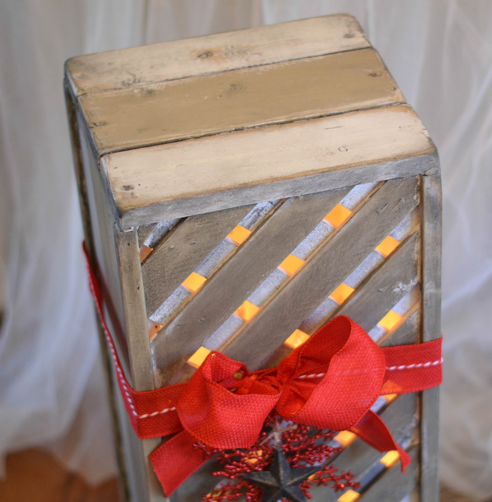 Down to Earth Style: Make Wooden Christmas Gift Box Decor