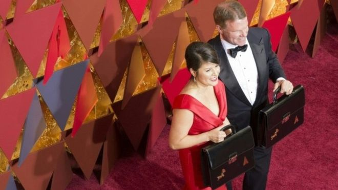 Oscar blunder duo given bodyguards after 'death threats'
