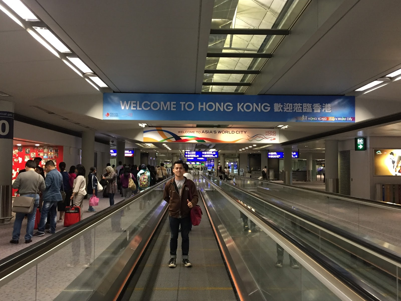 Taking some pictures at Hong Kong International Airport.