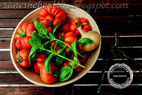 Nutritionists call tomatoes as vegetables.