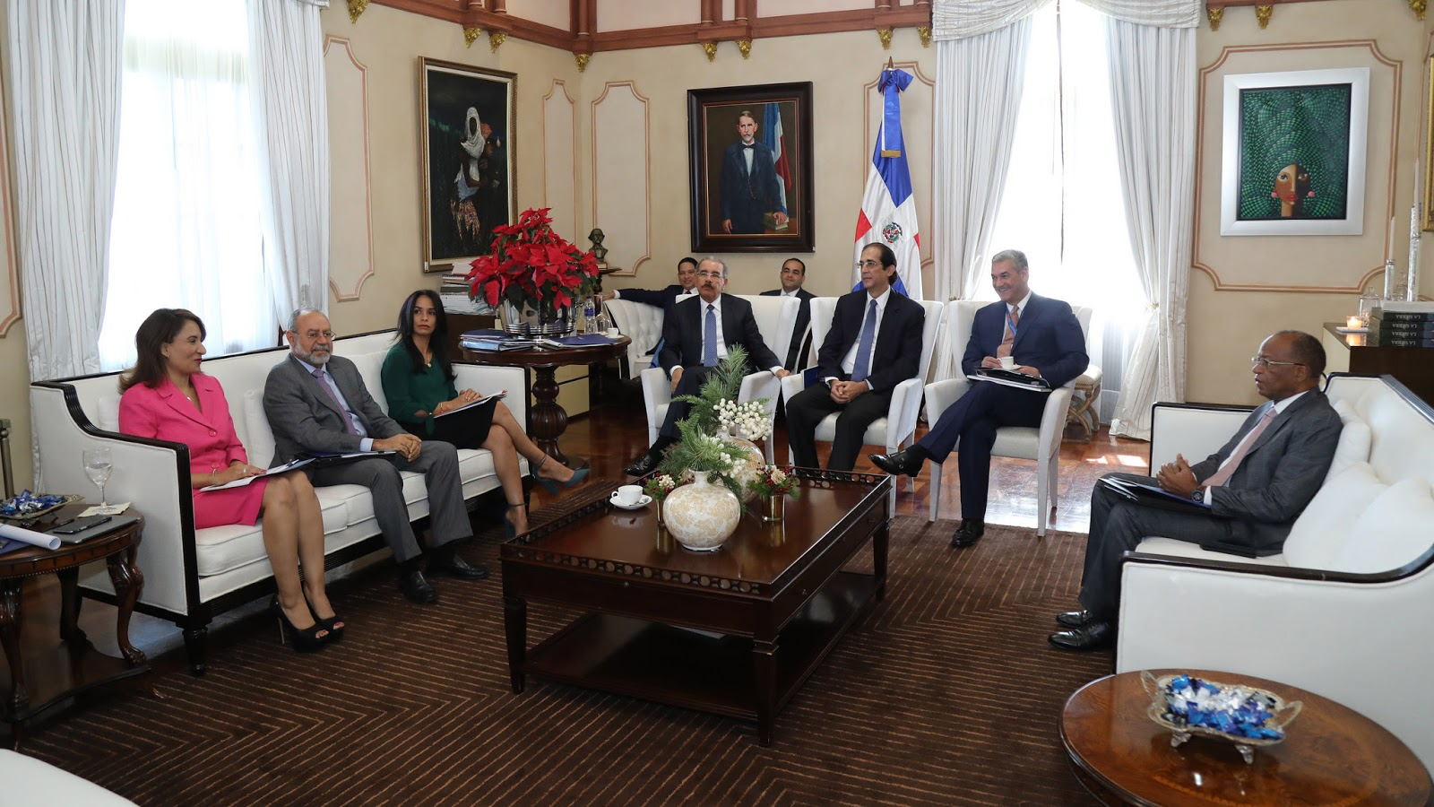 Comisión presenta proyectos del Plan de Movilidad Urbana Sostenible al presidente Danilo Medina