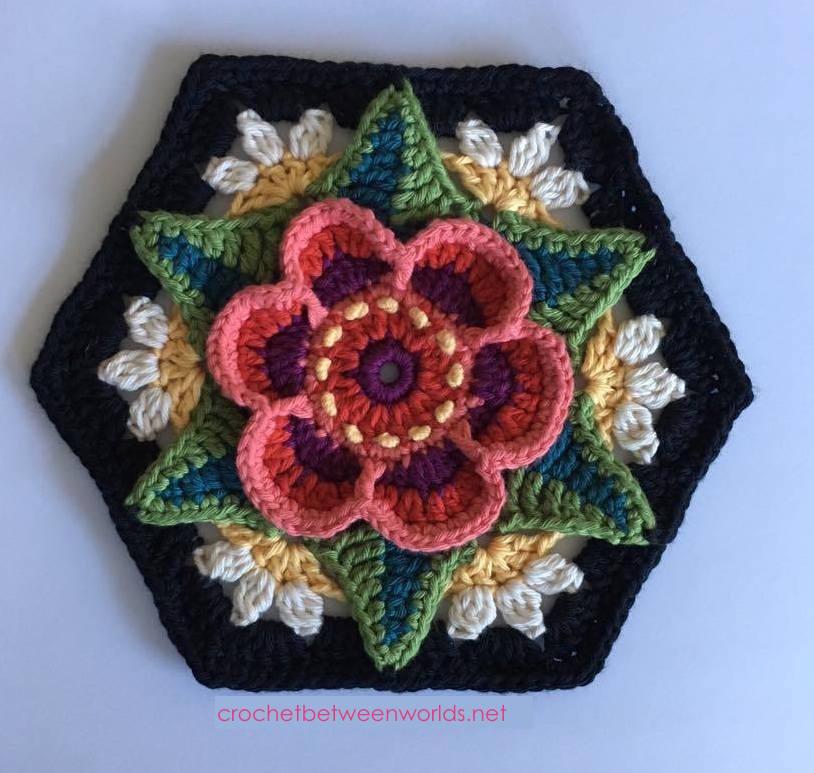 Crochet between worlds: Frida\'s Flowers CAL - Block 6 - Ring of Roses