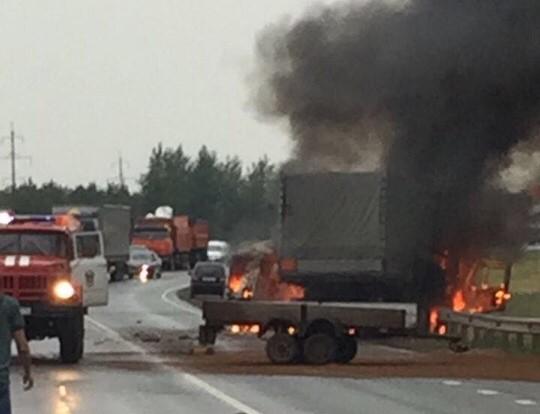 На трассе М-7 в «буханке» сгорело 4 человека