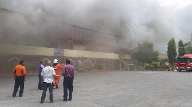 10 Gambar Kebakaran di SMK Tengku Suleiman Perlis