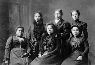 Newport, RI Women\