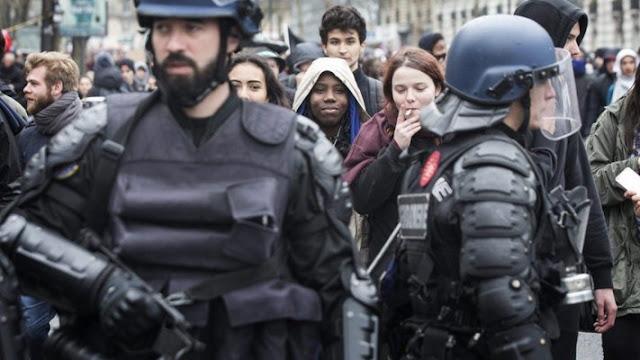 Τι συμβαίνει στη Γαλλία; Είναι μια εξέγερση; «Όχι, μεγαλειότατε, είναι μια Επανάσταση»