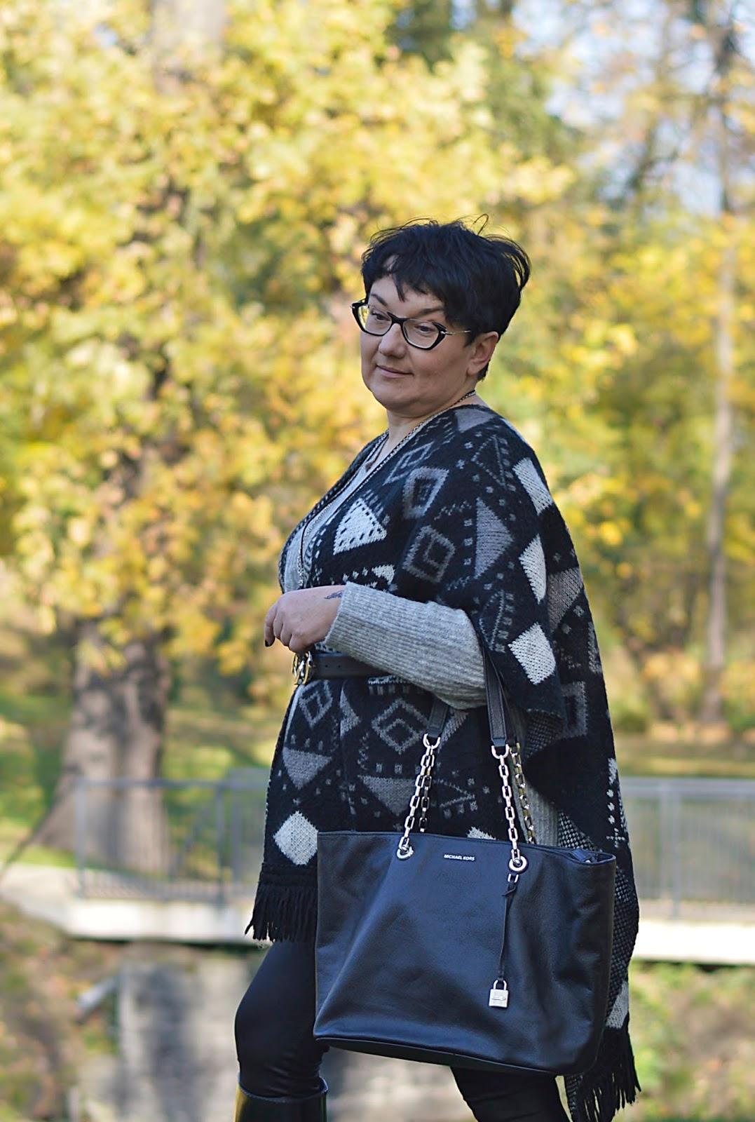 Michael Kors shopper, poncho, autumn