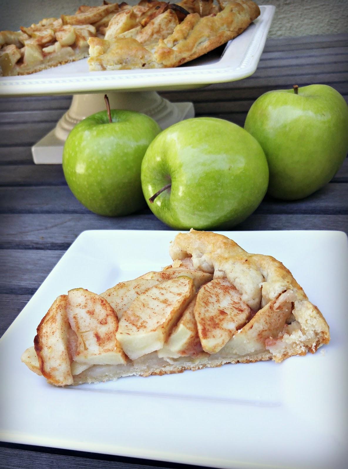 Finding BonggaMom: Free form apple tart