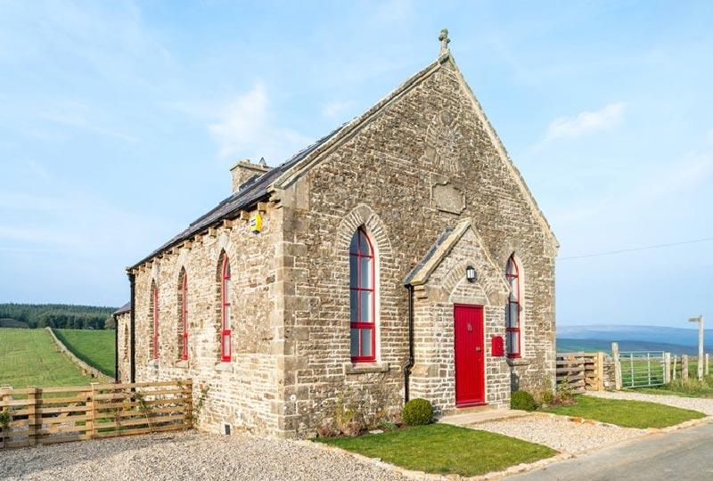Il recupero e la conversione di una chiesa abbandonata