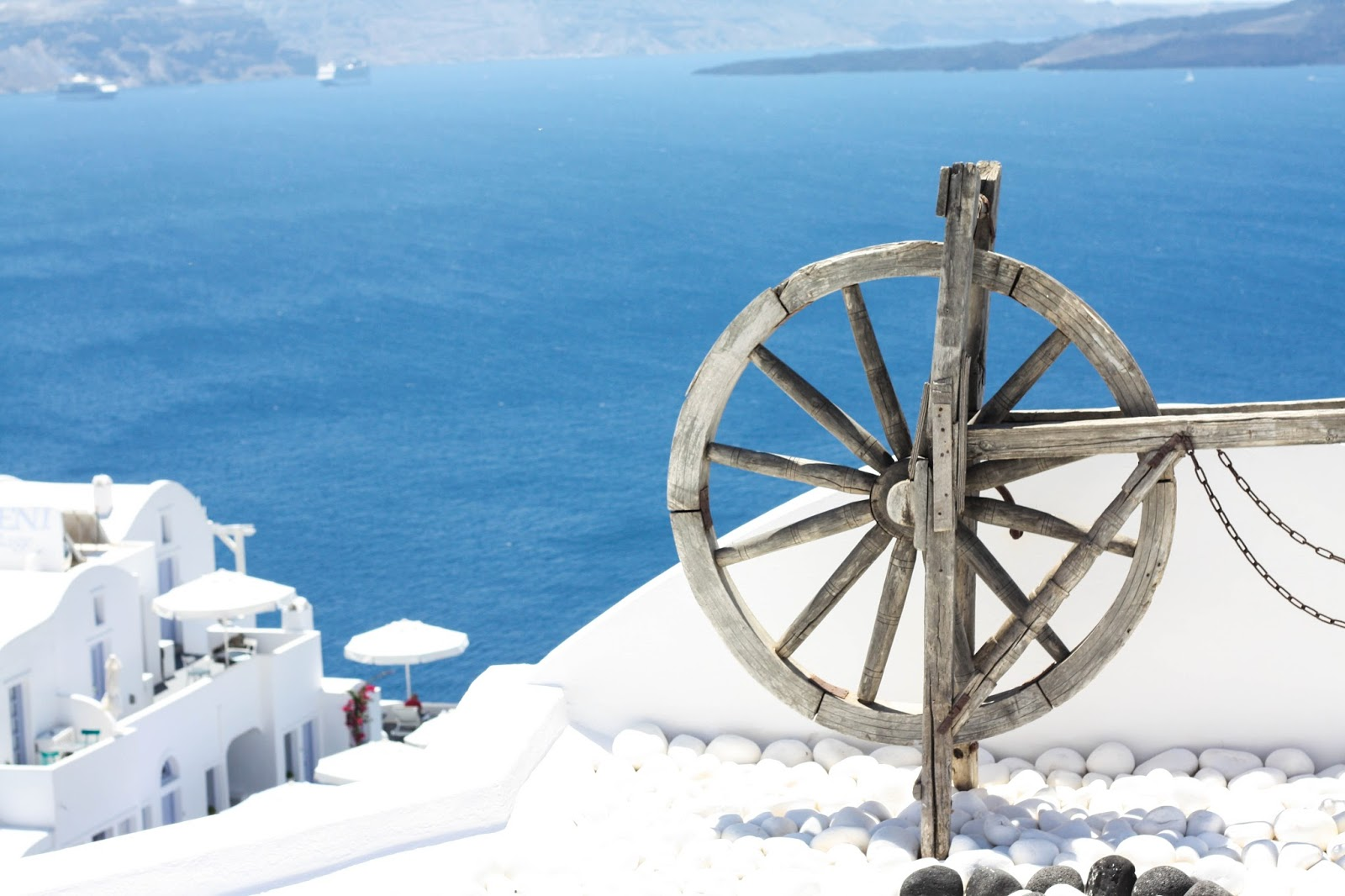 10 reasons why you need to visit Santorini