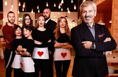 Carlos Sobera, 'maître' del restaurante 'First Date' que emite CuatroCarlos Sobera, 'maître' del restaurante 'First Date' que emite Cuatro