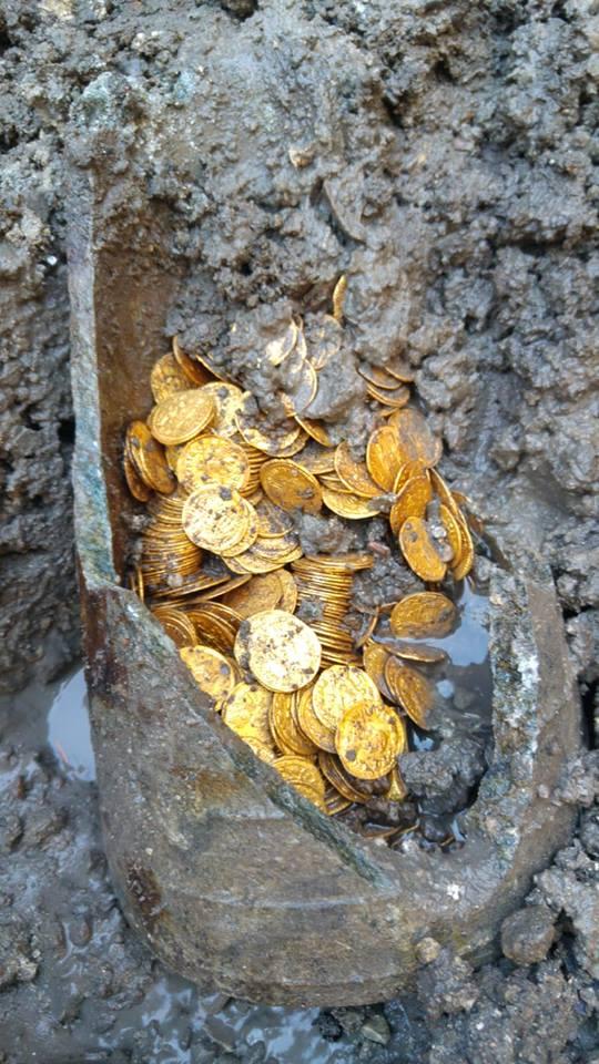 Εκατοντάδες αρχαία χρυσά νομίσματα βρέθηκαν στην Β.Ιταλική χερσόνησο . -ΦΩΤΟ