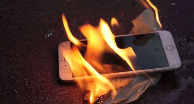 Akıllı Telefonların Pilleri Neden Patlar ? www.ceofix.com