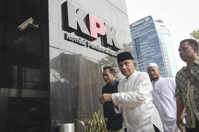 Kritik Keras Amien Rais, Penyebab Taufik Kurniawan Langsung Ditahan KPK?
