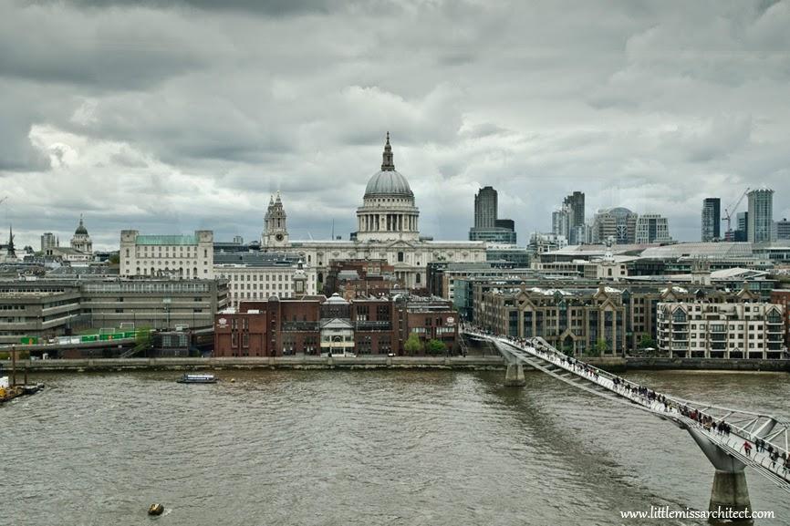panorama z muzeum Tate Modern, most Millenium