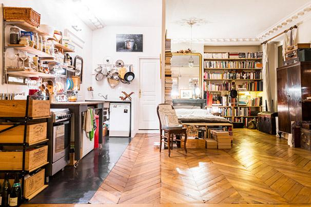 studio ancien aménagement gain de place cuisine et chambre