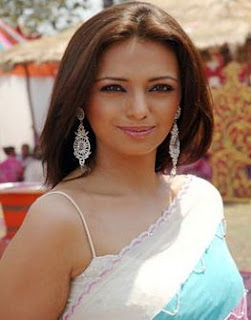 Roshni Chopra Family Husband Son Daughter Father Mother Marriage Photos Biography Profile.