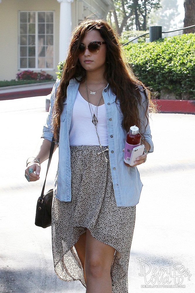demi lovato style clothes - photo #2