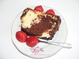 Desert de ciocolata si capsuni retete culinare,