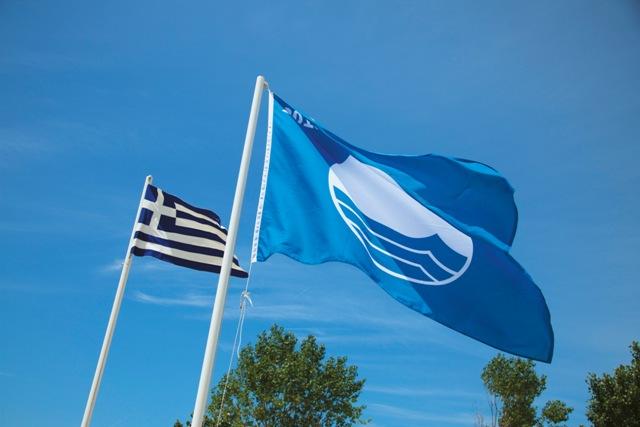 Πρώτη σε Γαλάζιες σημαίες σε όλη την Ελλάδα η Χαλκιδική
