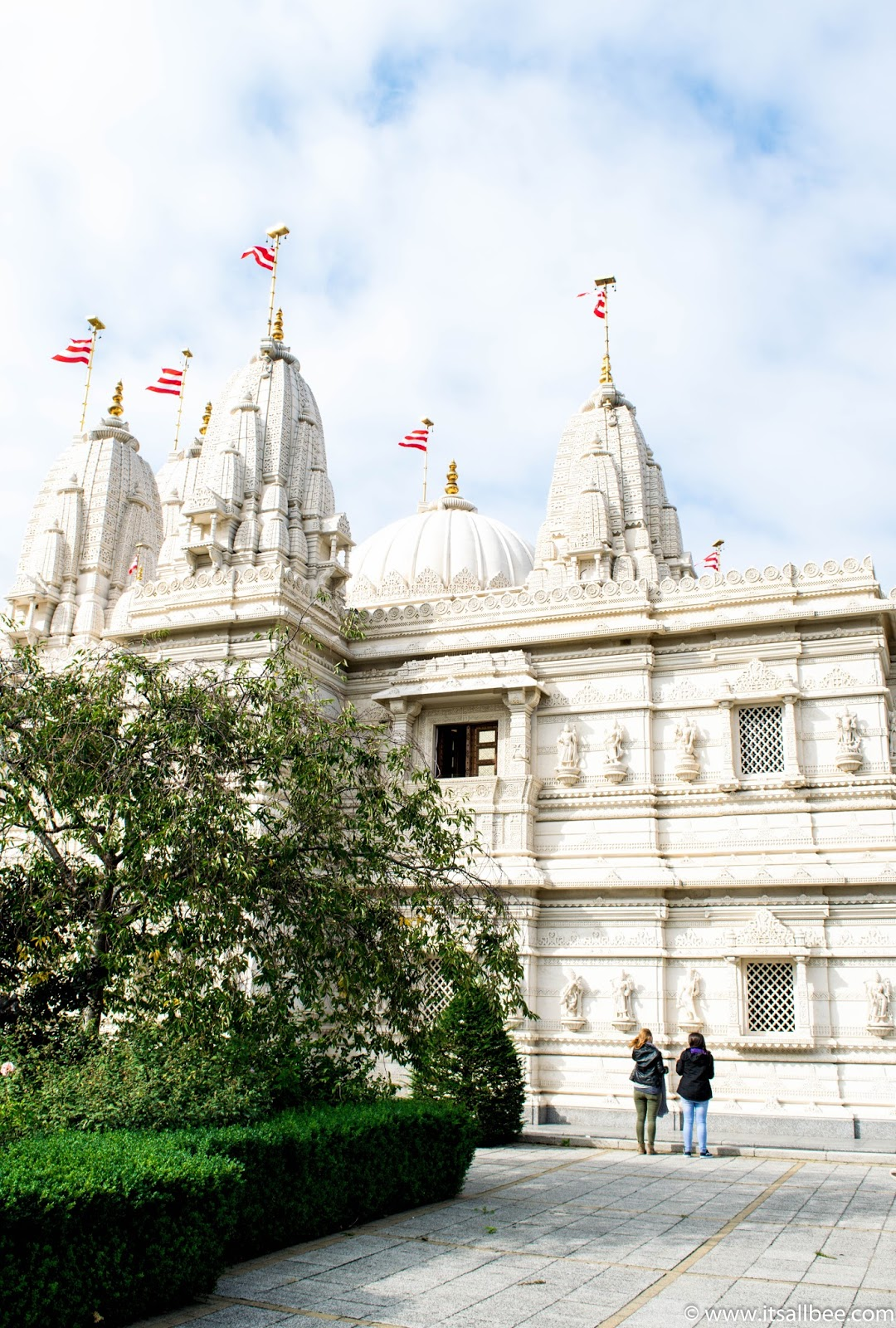 You wont believe this insanely beautiful - Neasden temple | Baps Shri-Swaninarayan Mandir