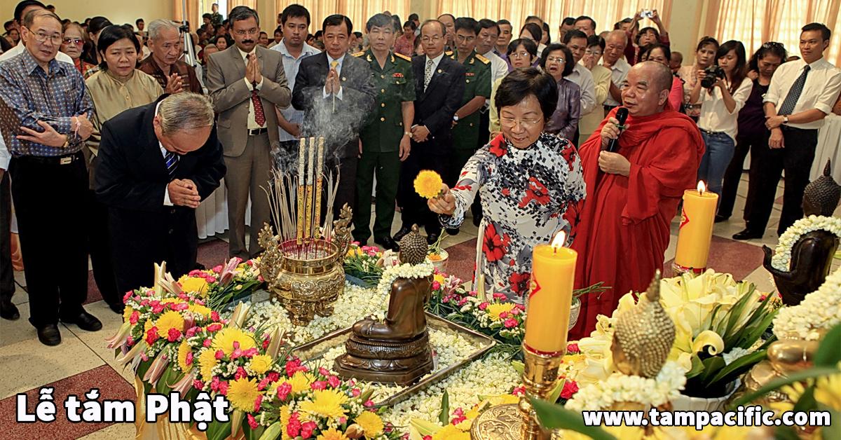 Lễ Tắm Phật trang trọng và linh thiêng