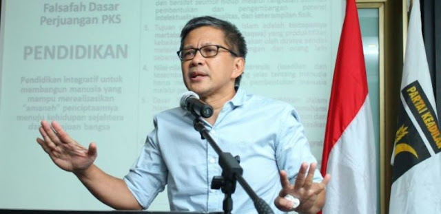 Ditunggu Polda Metro Jaya, Batang Hidup Rocky Gerung Gak Nongol