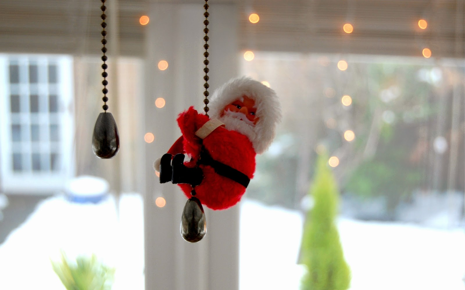 cute-little-santa-toy-hanging-funny-decoration-doll-for-children-1920x1200.jpg