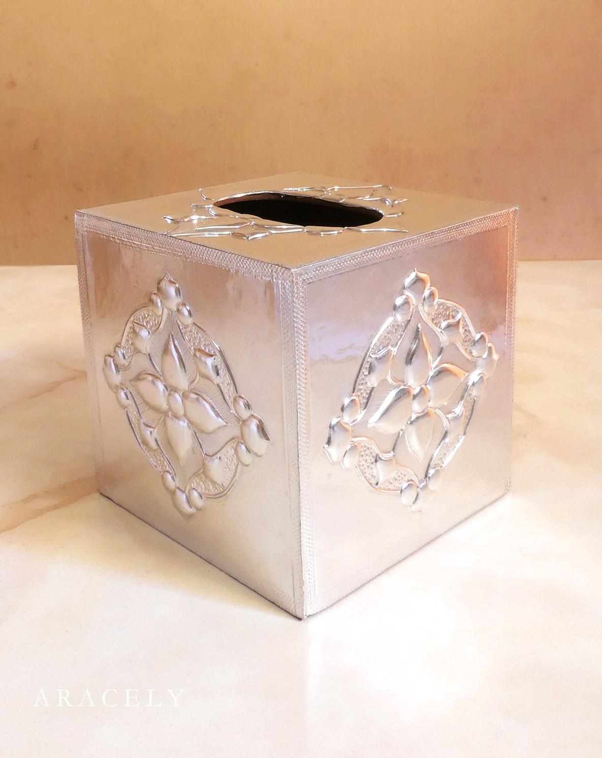 Porta papel tisue, repujado en aluminio