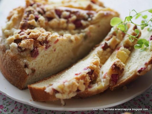placek drożdżowy z rabarbarem i gruszką , ciasto drożdżowe , z kruszonką , moje wypieki , ciasto na niedzielę , domowe wypieki , na drożdżach , ciacho , rabarbar , kuchnia polska
